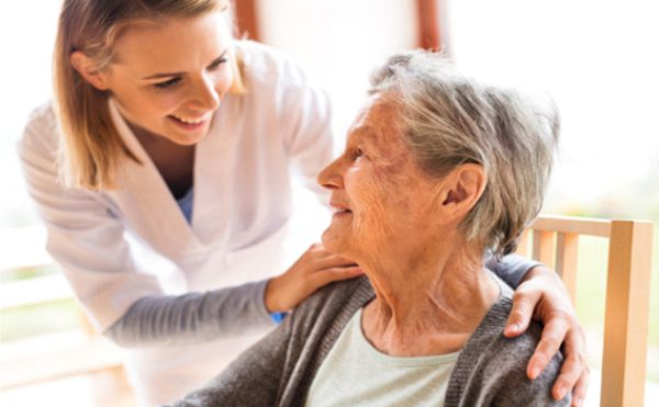 دستگاه تصفیه هوا در خانه سالمندان